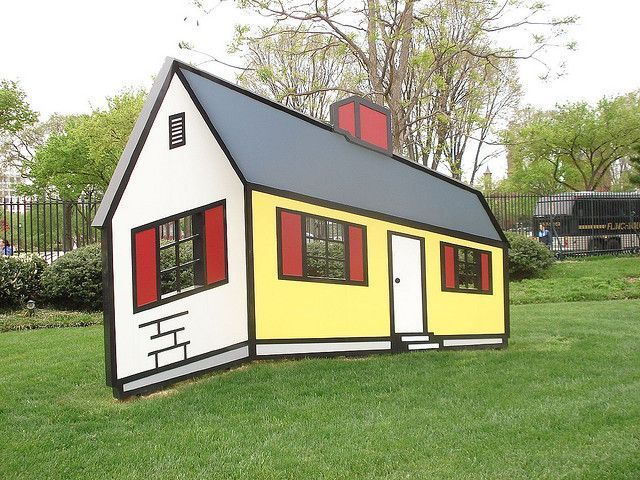 Cartoon house on real grass © Stefano A