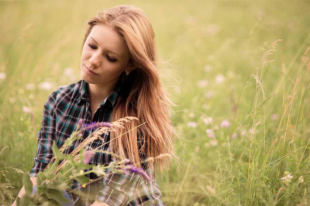 Sml Girl in field shutterstock_197364293
